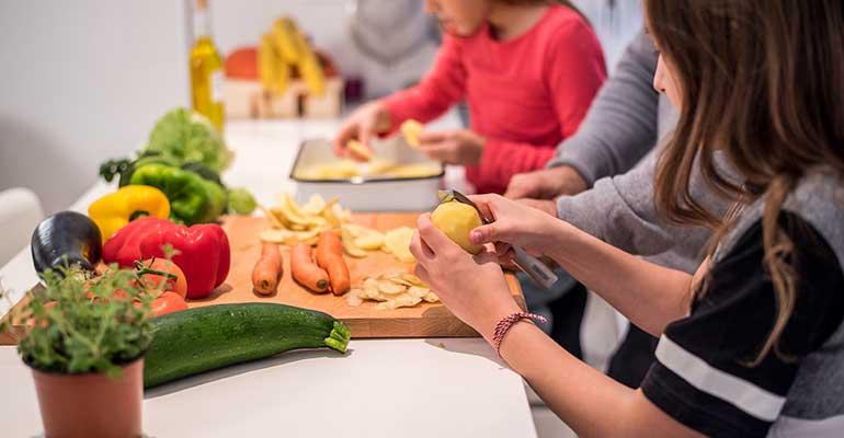 Los adolescentes mejoran sus hábitos alimenticios durante el confinamiento